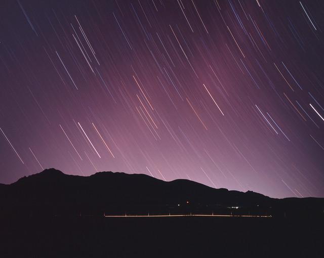 八ヶ岳に沈む星々